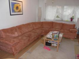Verkaufe eine grosse Eck-Couch in Terracotta