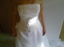 Foto 2 Verkaufe ein neues Brautkleid!