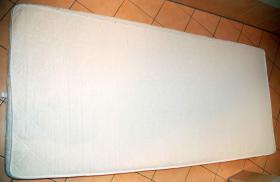 Verkaufe neuwertige unbenutzte Schaumstoffmatratze Breite 90cm, Länge 200cm