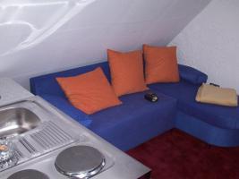 Foto 2 Vermiete Möbliertes 1 Zimmer Dachgeschoss an Wochenend Pendler