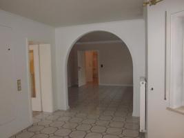Foto 3 Vermietung familienfreundliches Einfamilienwohnhaus