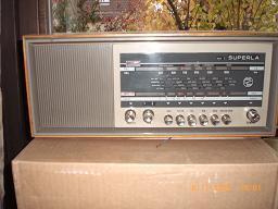 Foto 2 Verschieden alte Radiogeräte