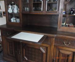 Foto 3 Verzierter Wohnzimmerschrank um1900