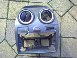Foto 3 Viele Teile für einen Ford Fiesta 1,4 Tdci Bj. 2007 weiß 3trg.