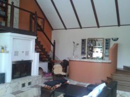 Kamin Und Bar Im Wohnzimmer