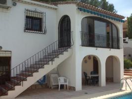 Villa in ruhiger Lage mit herrlichem Panoramablick in Alcalali