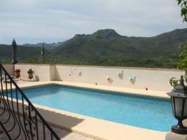 Foto 2 Villa in ruhiger Lage mit herrlichem Panoramablick in Alcalali