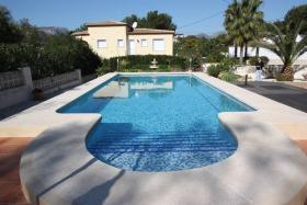 Foto 2 Villa mit wunderschönen gepflegtem Garten in Calpe an der Costa Blanca