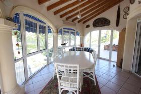 Foto 3 Villa mit wunderschönen gepflegtem Garten in Calpe an der Costa Blanca
