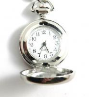 Foto 2 Vintage Katzenbaby Kettenuhr / Uhrenkette