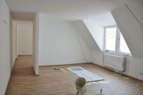 Foto 2 Vollsanierte Maisonette Wohnung in zentraler Lage Wiesbadens