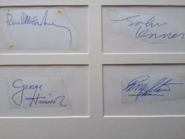Foto 2 Vollständiger Satz authentischen Beatles Autogramme zertifiziert und authentische 1963 gerahmt