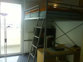 Foto 2 WG_Zimmer frei ab 1.5.10 in grossen hellen Maisonettenwohnung