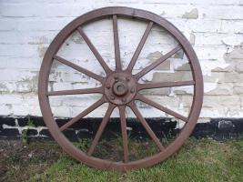 Wagenrad aus Holz