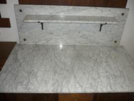 waschtisch mit marmorplatten und spiegel in echzell von privat. Black Bedroom Furniture Sets. Home Design Ideas