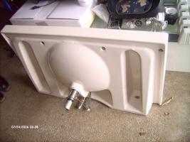 Foto 3 Waschtisch, Waschbecken, Badezimmerzubehör, Kamag, Farbe pergamon,
