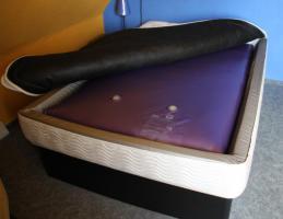 Foto 2 Wasserbett 140x200 WigWam mit extra hohem Sockel Calesco Heizung