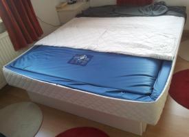 Foto 3 Wasserbett mit 6 großen Schubladen, 160x200, weiß, super Zustand!