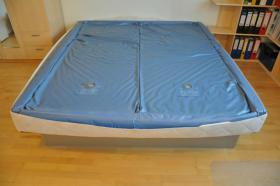 Foto 2 Wasserbett mit Dual-Softsidematratzen