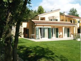 We have some of the finest and most breathtaking Italian villas