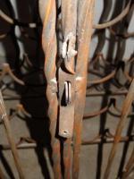 Foto 9 Weinregal mit Flügeltür (Antiklook Schmiedeeisen)