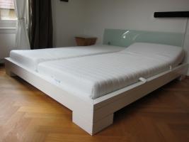 Weißes Lack Bett