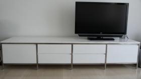 Weisses Sideboard, im exklusiven Minotti Design
