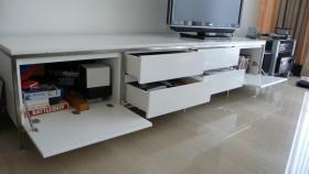 Foto 3 Weisses Sideboard, im exklusiven Minotti Design, Stahlrahmen, Marmor
