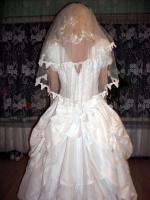 Foto 5 Wei�es, verspieltes, romantisches Brautkleid Gr. 40- Artikelzustand: Gebraucht und gereinigt.
