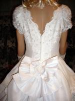 Foto 8 Wei�es, verspieltes, romantisches Brautkleid Gr. 40- Artikelzustand: Gebraucht und gereinigt.