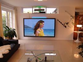 Foto 2 Weltgrößter Panasonic Fernseher mit imposanten 103'' Bilddiagonale (261cm!). Professioneller TV!