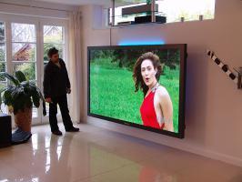 Foto 6 Weltgrößter Panasonic Fernseher mit imposanten 103'' Bilddiagonale (261cm!). Professioneller TV!