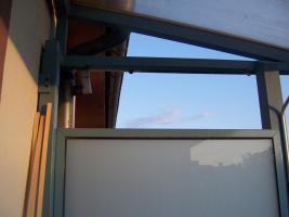 wer kann ein katzennetz am balkon anbringen 60385 frankfurt am main von privat gesucht. Black Bedroom Furniture Sets. Home Design Ideas