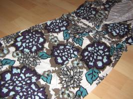 Wickelkleid mit Blumenmuster in Gr. 38