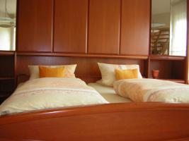 Foto 4 Winkelschlafzimmer massiv Kirschbaum TOP ANGEBOT