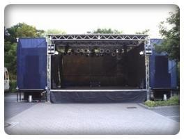 Wir vermieten Mobile Bühnenanhänger / PA.- Lichttechnik / Veranstaltungstechnik