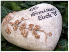 Foto 9 Wir vermissen Dich, Grabdeko Herzen, In Liebe, Herz Grabstätte