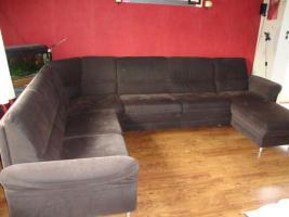 Foto 2 Wohnlandschaft, Couch aus Microfaser dunkelbraun 3 Jahre alt