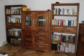 Foto 3 Wohnszimmer mit Eßtisch - wunderschönes Rosenholz massiv
