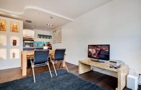 Wohnung mit 2.0 Zimmern (neuwertig, hochwertig, Designer Stil)