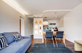 Foto 2 Wohnung mit 2.0 Zimmern (neuwertig, hochwertig, Designer Stil)