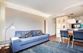 Foto 3 Wohnung mit 2.0 Zimmern (neuwertig, hochwertig, Designer Stil)
