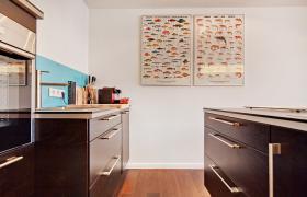 Foto 6 Wohnung mit 2.0 Zimmern (neuwertig, hochwertig, Designer Stil)