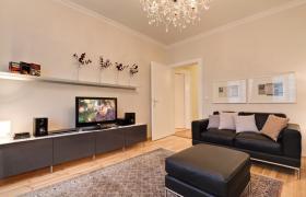 Wohnung mit 3.0 Zimmern in bester zentraler Lage, im Erstbezug nach Renovierung