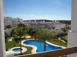 Wohnung mit Panoramisch sicht am Mer , Bergen un gemeinsame Pool und Garten