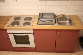 Foto 2 Wohnungsauflösung – Küche – Tisch – Stühle – Schrank – Herd – Dunstabzug – Spühle – Waschmaschine – Nürnberg