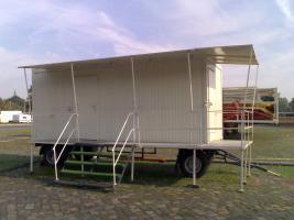 Wohnwagen und Imbisswagen