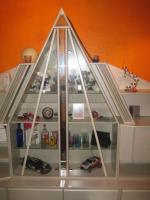 Foto 8 Wohnwand Schrankwand mit Glas-Pyramide beleuchtet weiß