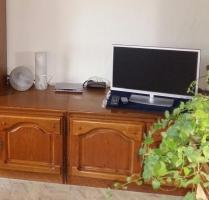 Foto 3 Wohnwand massiv Holz ca.3Meter breit, Esstisch mit 6Stühlen, Couchtisch