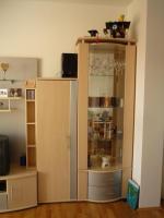 Foto 2 Wohnwand, mit Glasvitrine, Akazie, wie neu